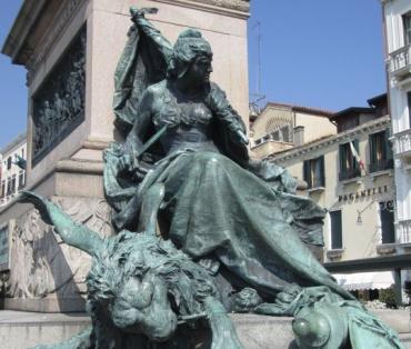 venice-monument.jpg